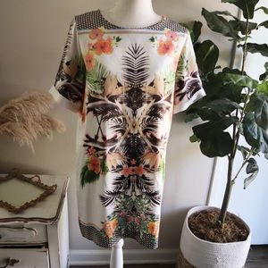Dresses & Skirts - Silky tropical graphic print dress